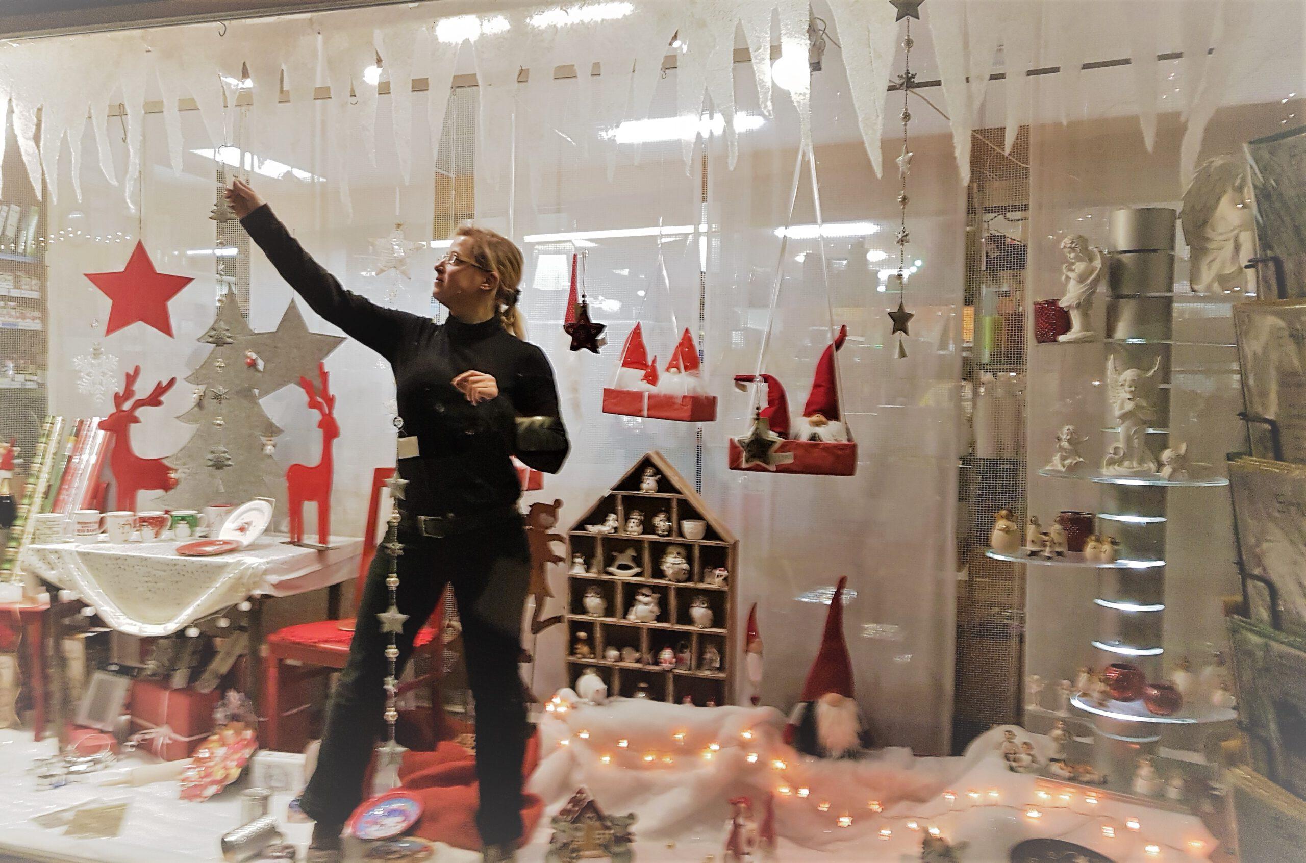 Weihnachtliche Schaufenster in Annweiler