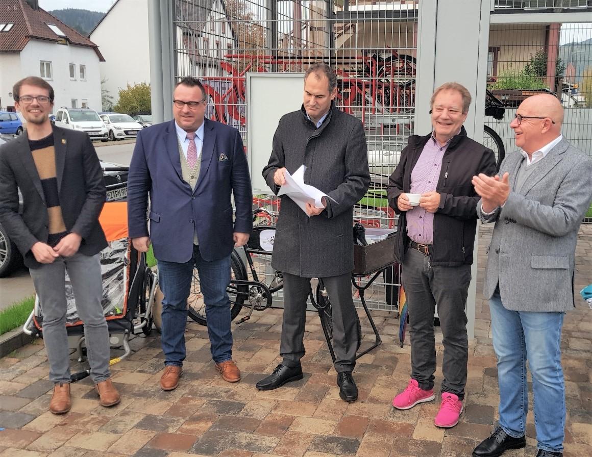 Rad-Parkhaus in Annweiler  eingeweiht. Rahmenbedingungen schaffen für den Umstieg auf den ÖPNV