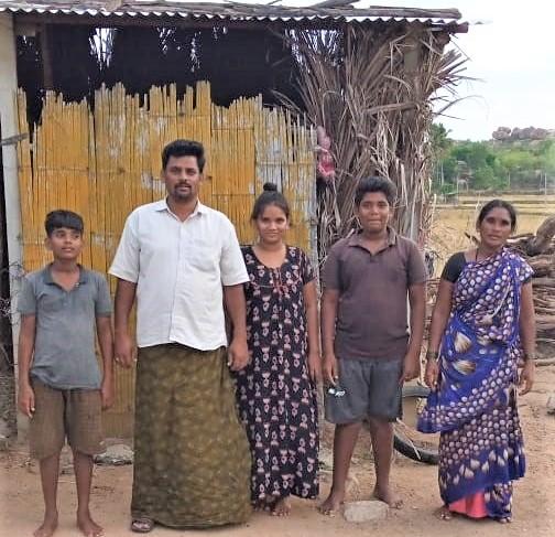 Covid Lock Down. No Work. No Money. Please Help.Ein Hilferuf aus Indien erreicht Magic Baba in Annweiler