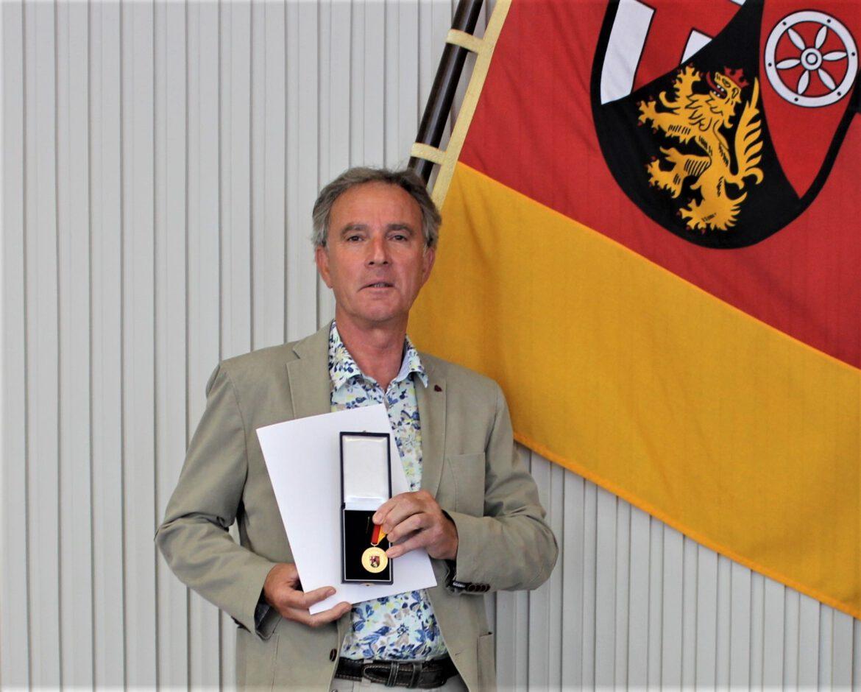 Günther Hahn aus Edesheim mit Verdienstmedaille des Landes Rheinland-Pfalz ausgezeichnet