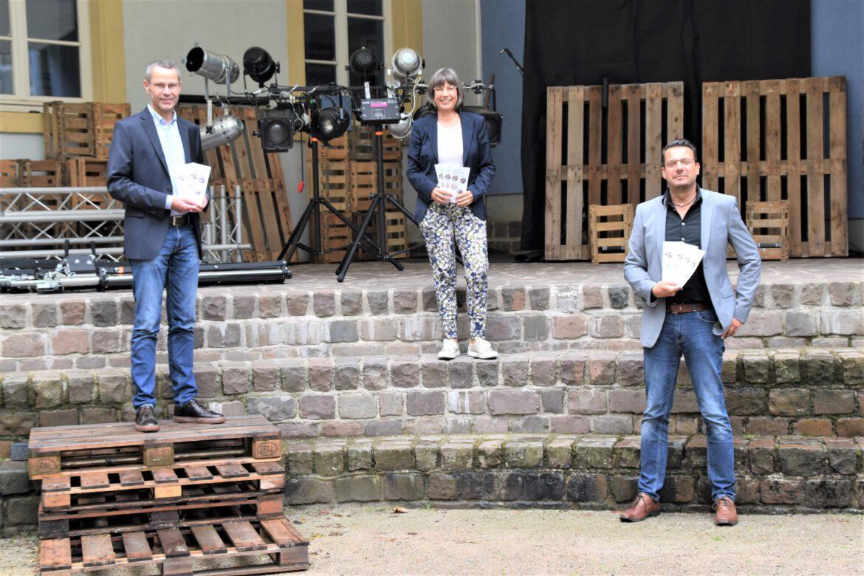 19. Juli bis 28. August. Kulturstadt Landau.Open-Air Bühne im Innenhof des OHG