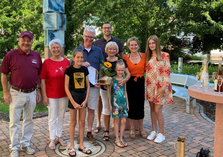 Seit 30 Jahren Urlaub im Trifelsland.Gästeehrung für Familie Schiltman aus Holland