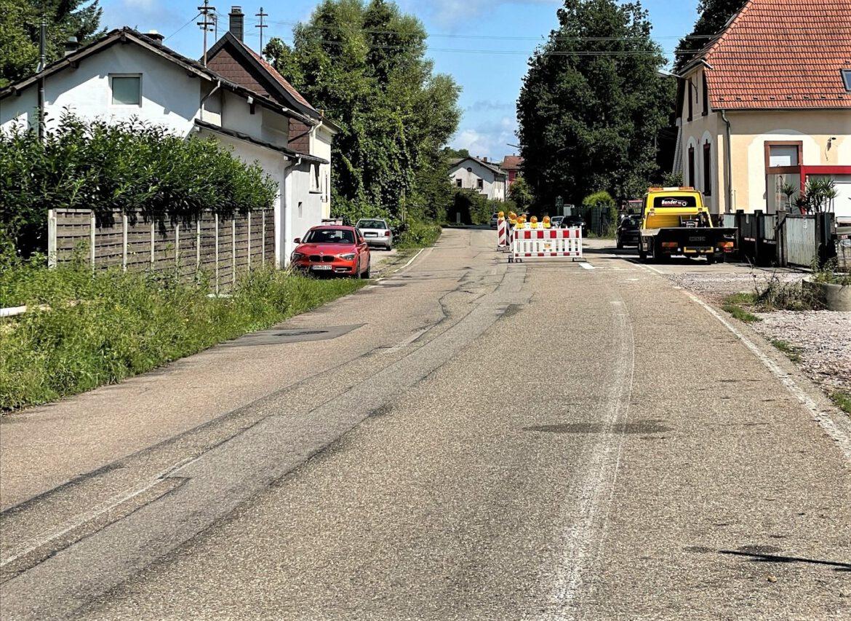 Zwischen Albersweiler und Queichhambach.Straße halbseitig gesperrt