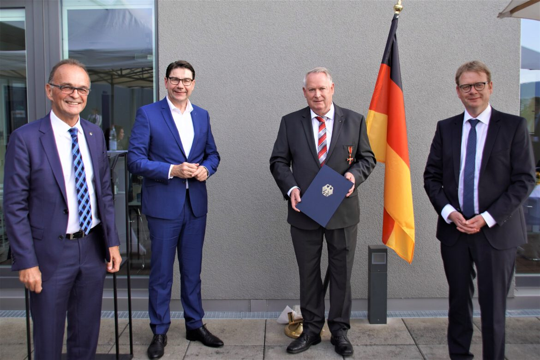 Für besonderes soziales Engagement.Udo Vogel  mit Bundesverdienstkreuz ausgezeichnet