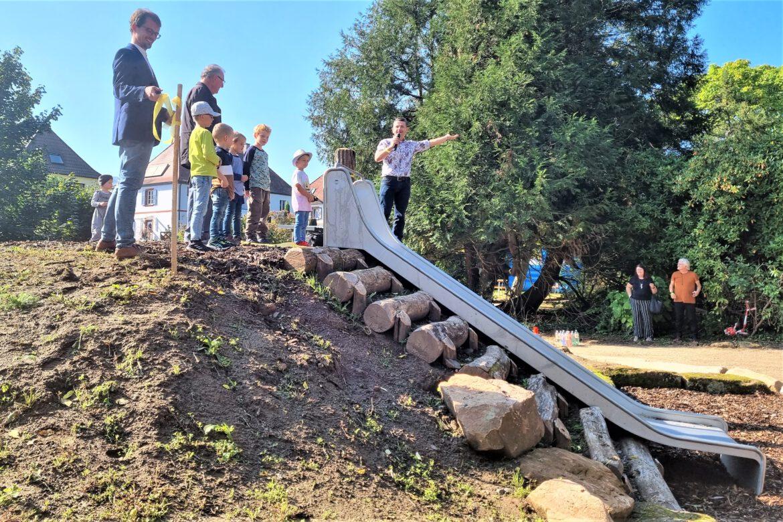 Ambert Park als Generationen-Treff neu gestaltet.Glanzvolles Eröffnungsfest