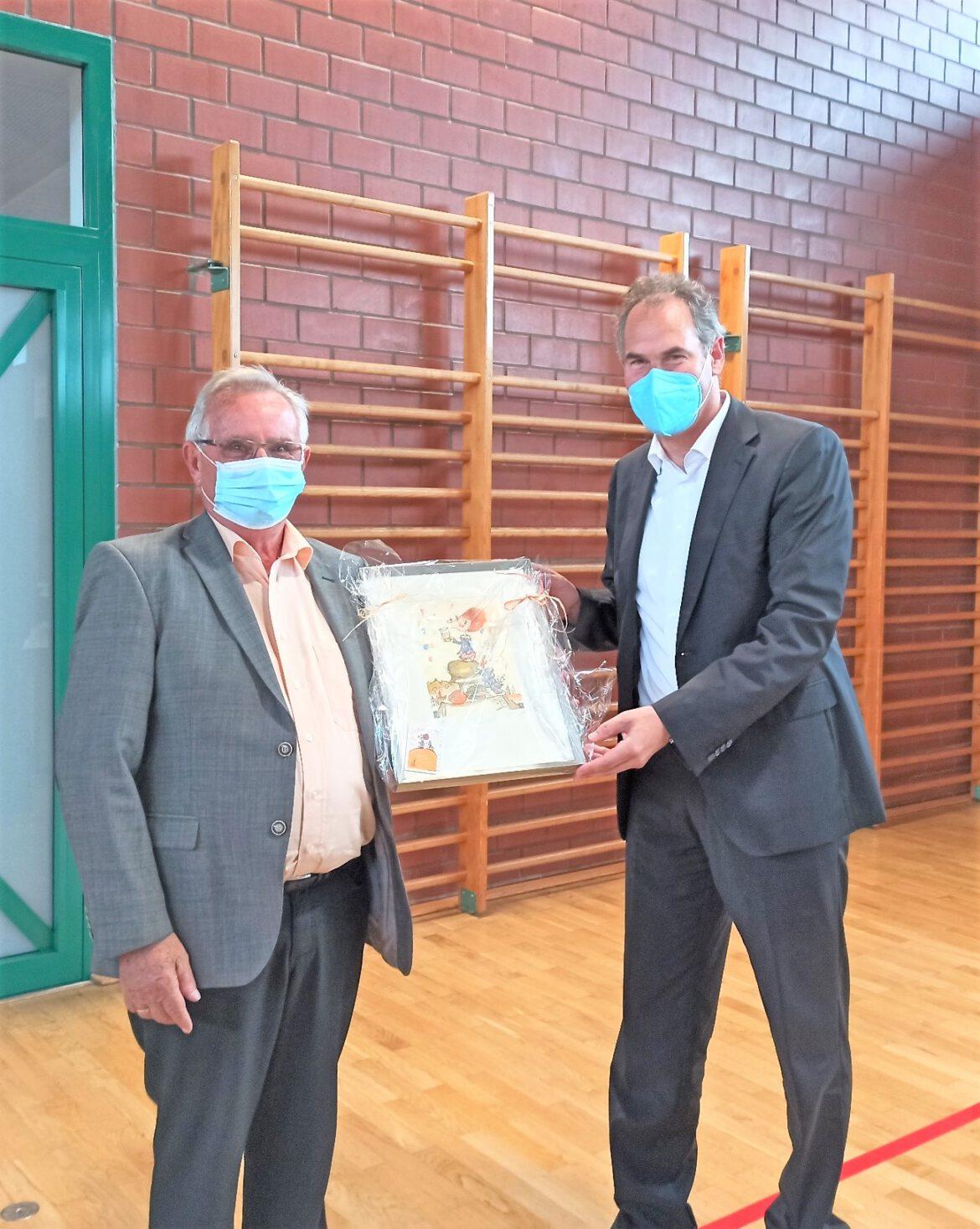 Verabschiedung mit Standing Ovations.Friedrich Job beendet sein langjähriges Engagement für den Kreistag SÜW